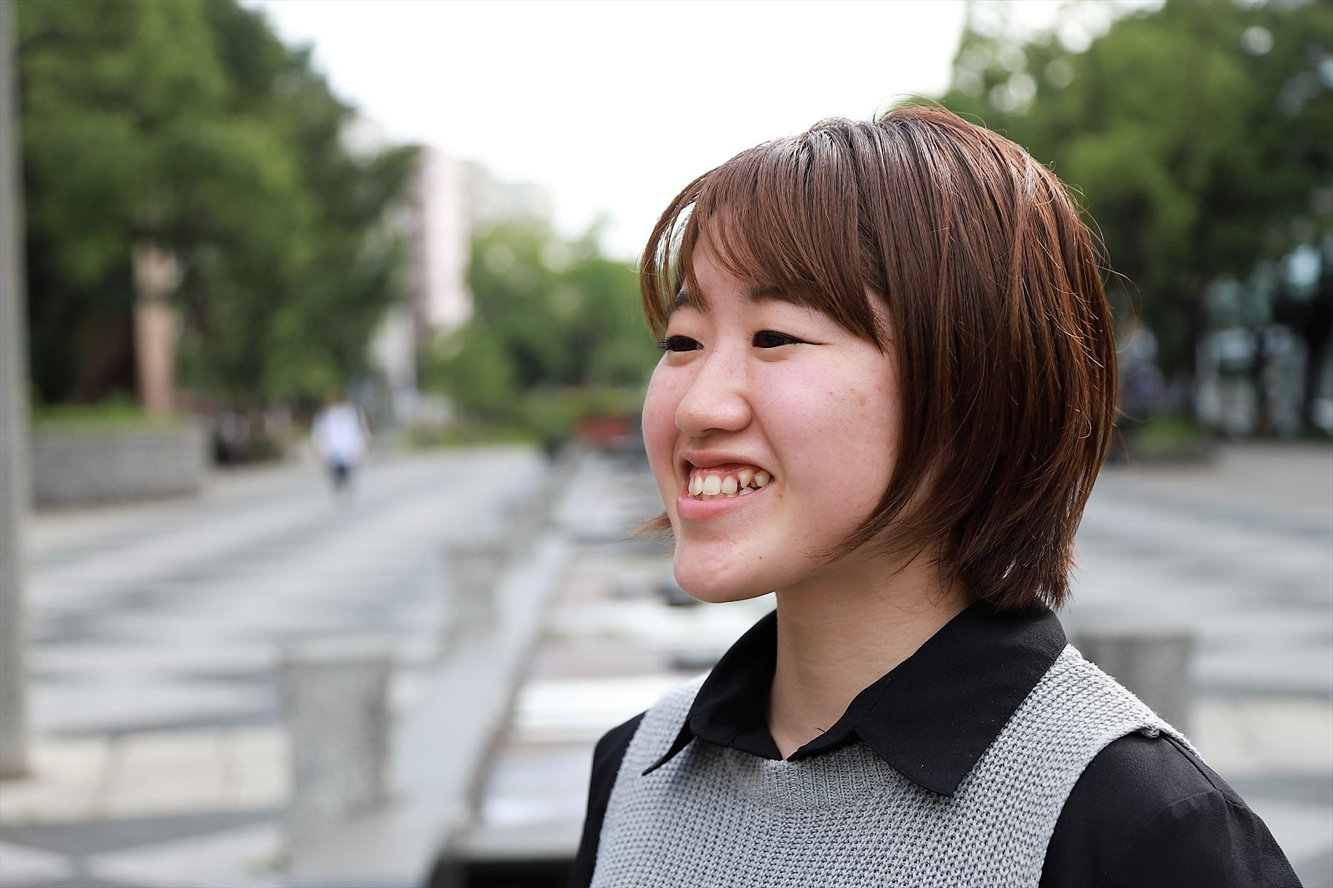 http://interviewer69.com/IMG_9114_R.JPG